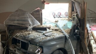 Tennessee Street crash 2.jpg