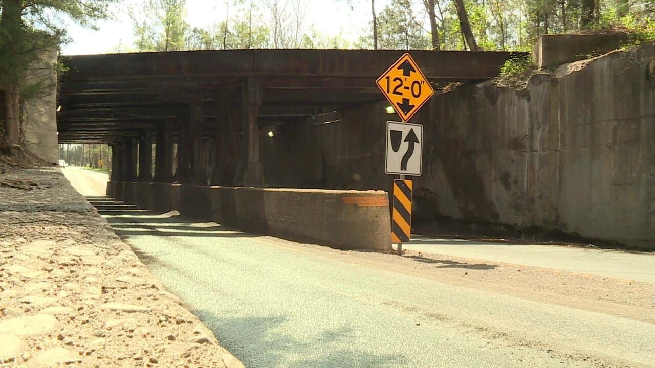 Henrico residents concerned about crumblingoverpass