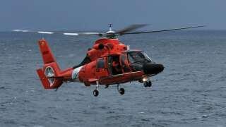 Coast Guard rescues ten sailors