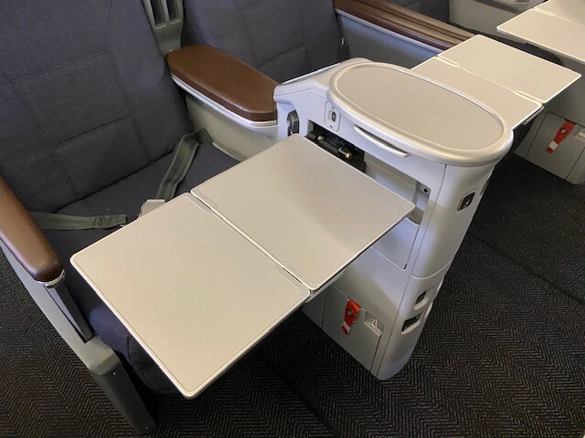 Tray table surface