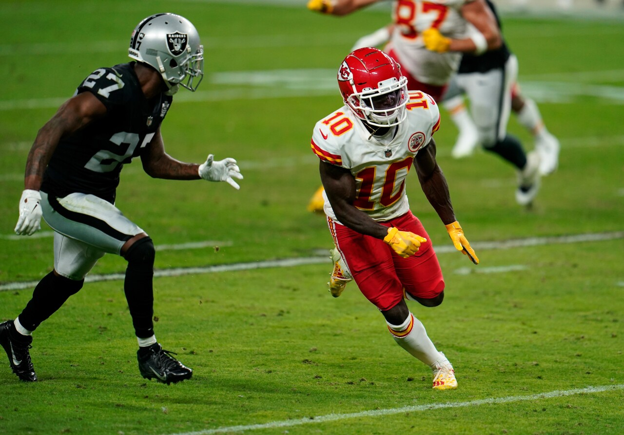 Kansas City Chiefs receiver Tyreek Hill runs route at Las Vegas Raiders in 2020
