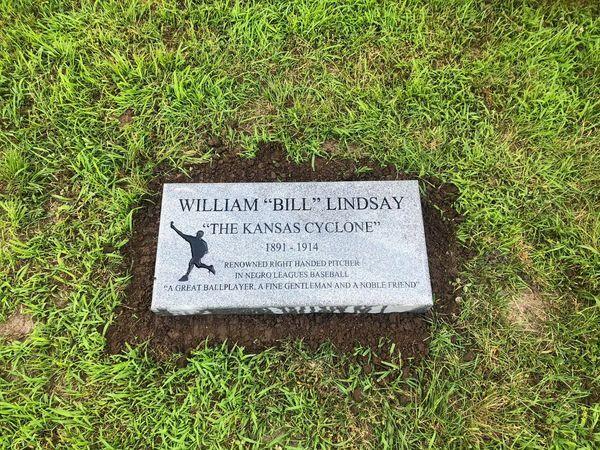 Bill Lindsay new headstone.jpeg