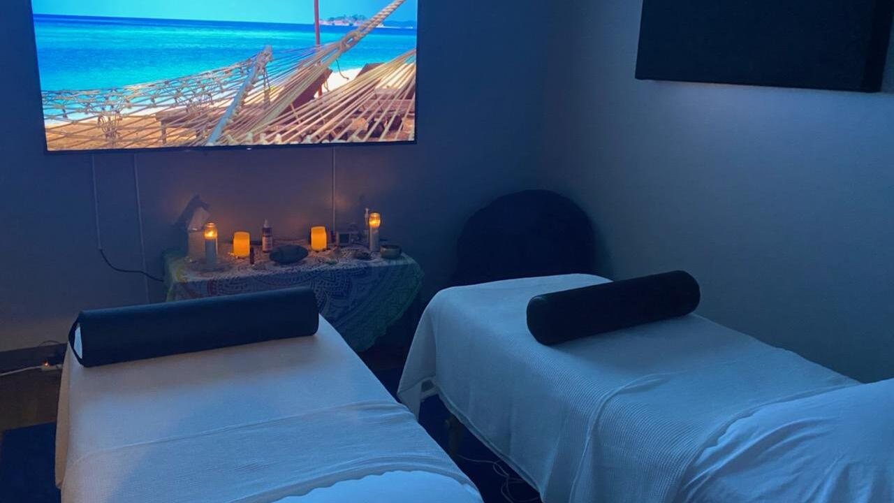 Couples Room.jpg
