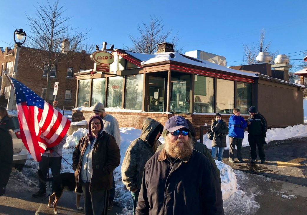 Milwaukeeans gather along funeral procession route of Officer Matthew Rittner