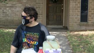 Donald Duarte hosting hotdog and lemonade stand fundraiser
