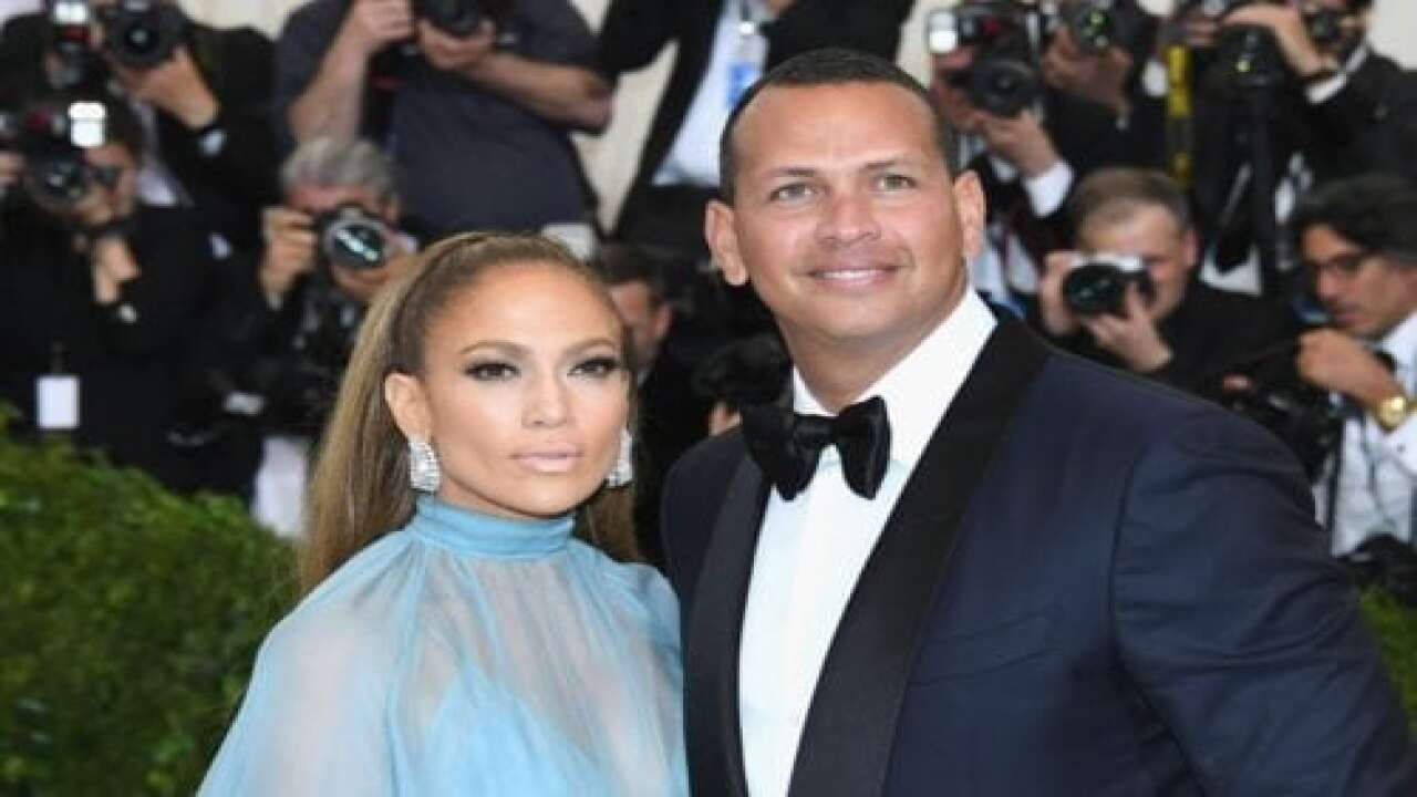 Jennifer Lopez And Alex Rodriguez Donated A Year's Supply Of Food To A School Food Pantry