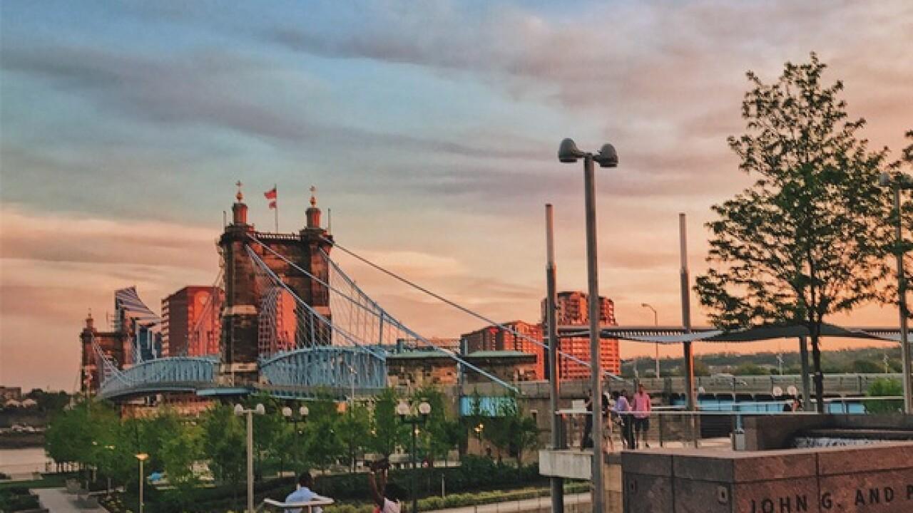 Cincygram: Changing hues of Suspension Bridge