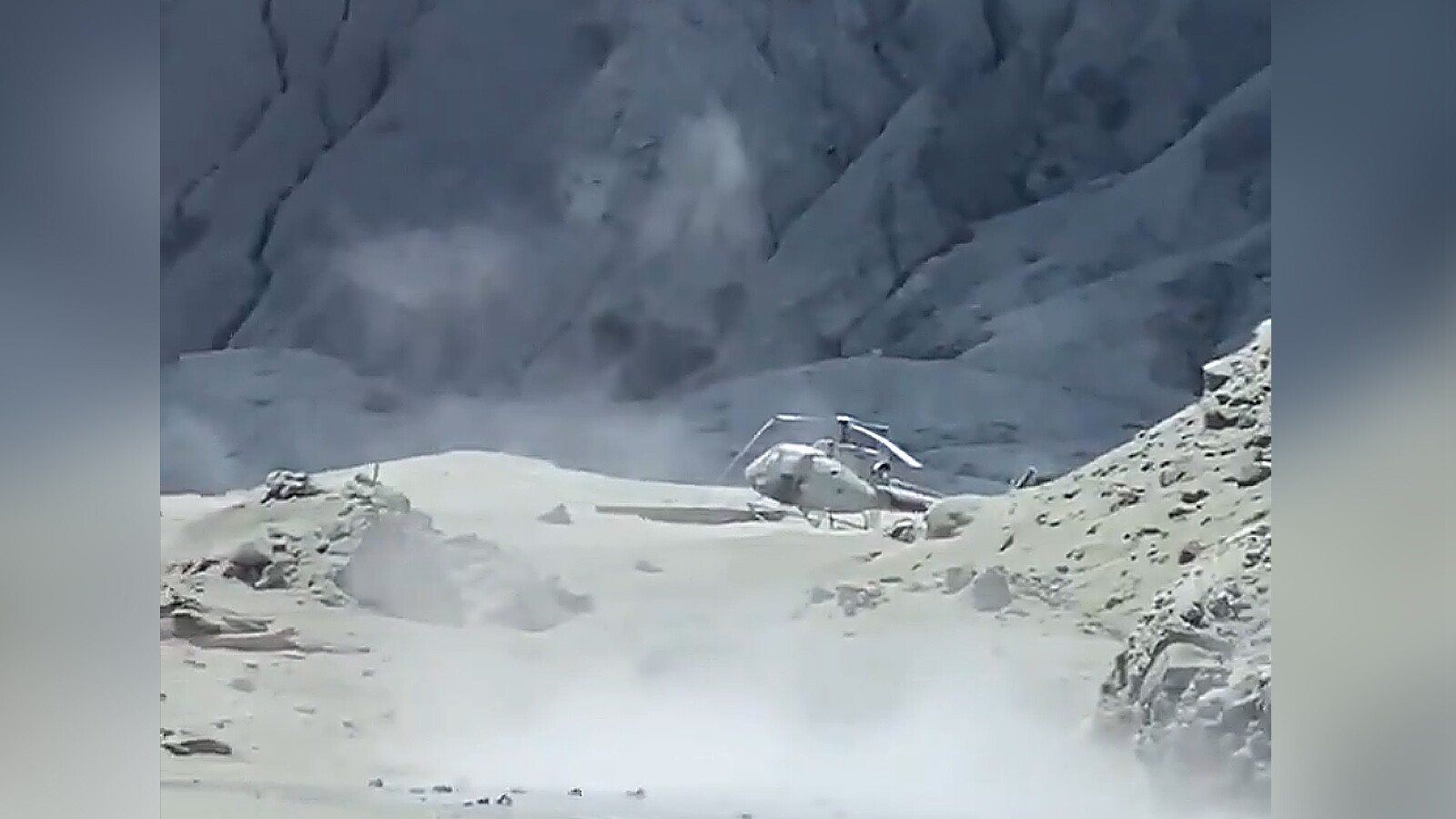 Photos: Seventeenth person dies from New Zealand's White Island eruption