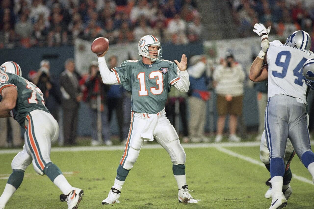 Miami Dolphins QB Dan Marino passes vs Dallas Cowboys in 1994