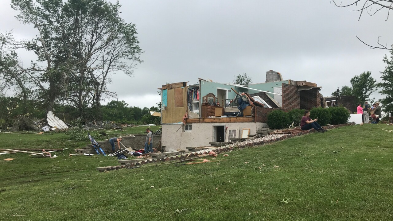 Clay county tornado 5.jpg