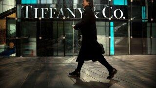 LVMH scoops up Tiffany for $16.2 billion