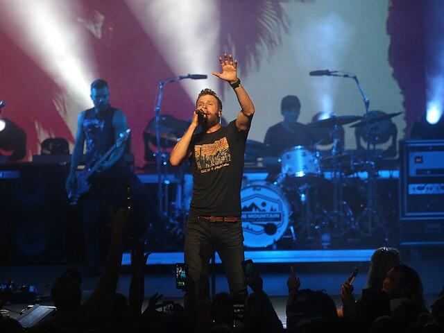 Dierks Bentley kicks off Riverbend's concert season