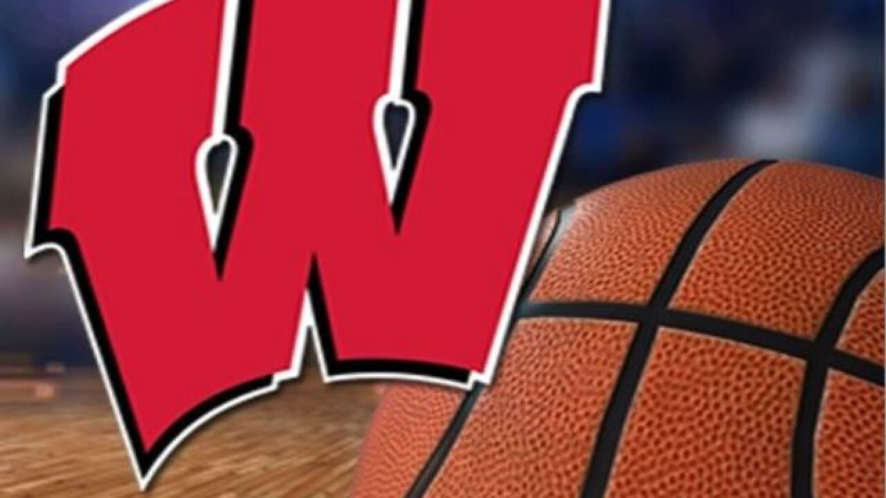 Davison, Happ help Wisconsin cruise past Green Bay 81-60