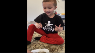 Clever Mom's Simple Experiment Teaches Kids The Importance Of Washing Hands To Kill Germs