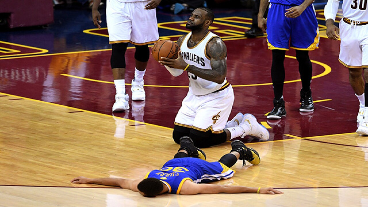 online store d1966 f2d5c Steph Curry ejected from Game 6 of the NBA Finals, throws ...