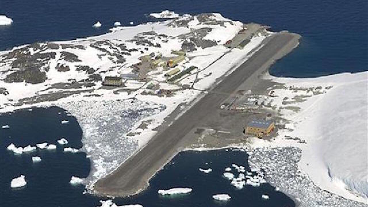 Rescue flight leaves South Pole evacuating sick US worker