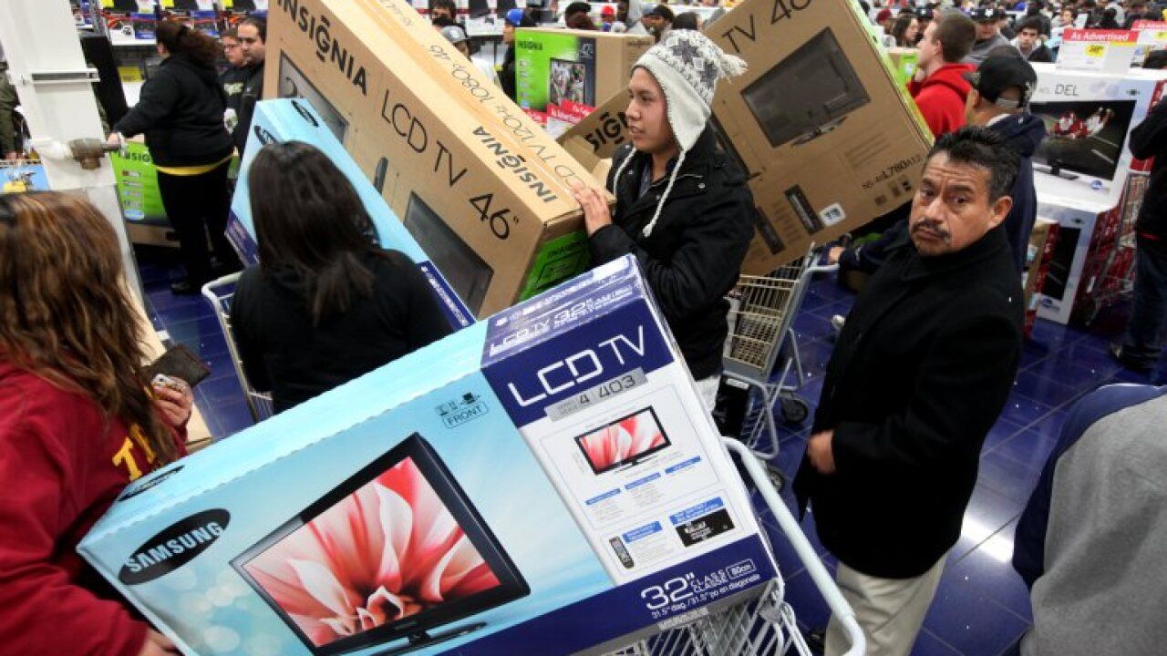 Black Friday pulls in a record $7.4 billion in online sales, as many turn to mobile orders