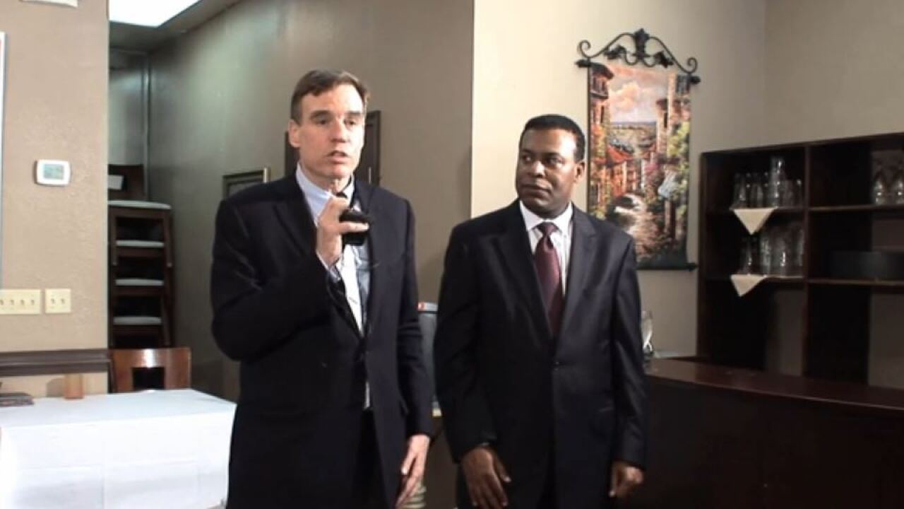 Sen. Mark Warner endorses Kenny Alexander for Norfolk mayor