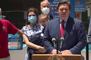 NEWS CONFERENCE: Gov. Ron DeSantis signs environmental laws at Loggerhead Marinelife Center (24 minutes)