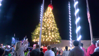 erath christmas tree lighting.PNG