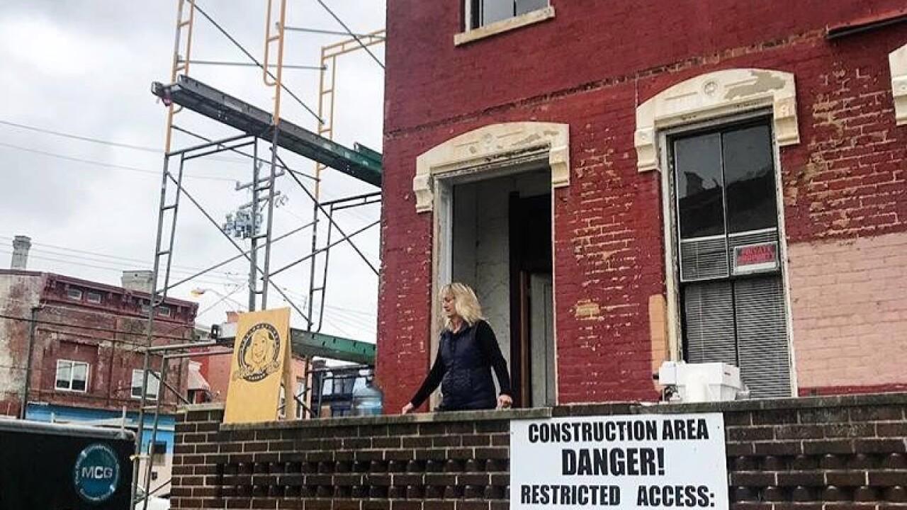 MomNem building.jpeg