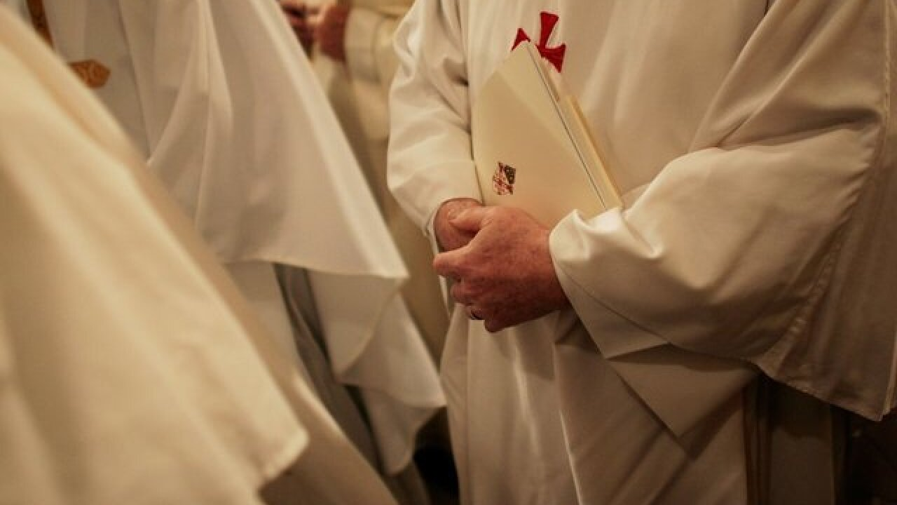 Missouri diocese abuse inquiry names 33 priests, brothers