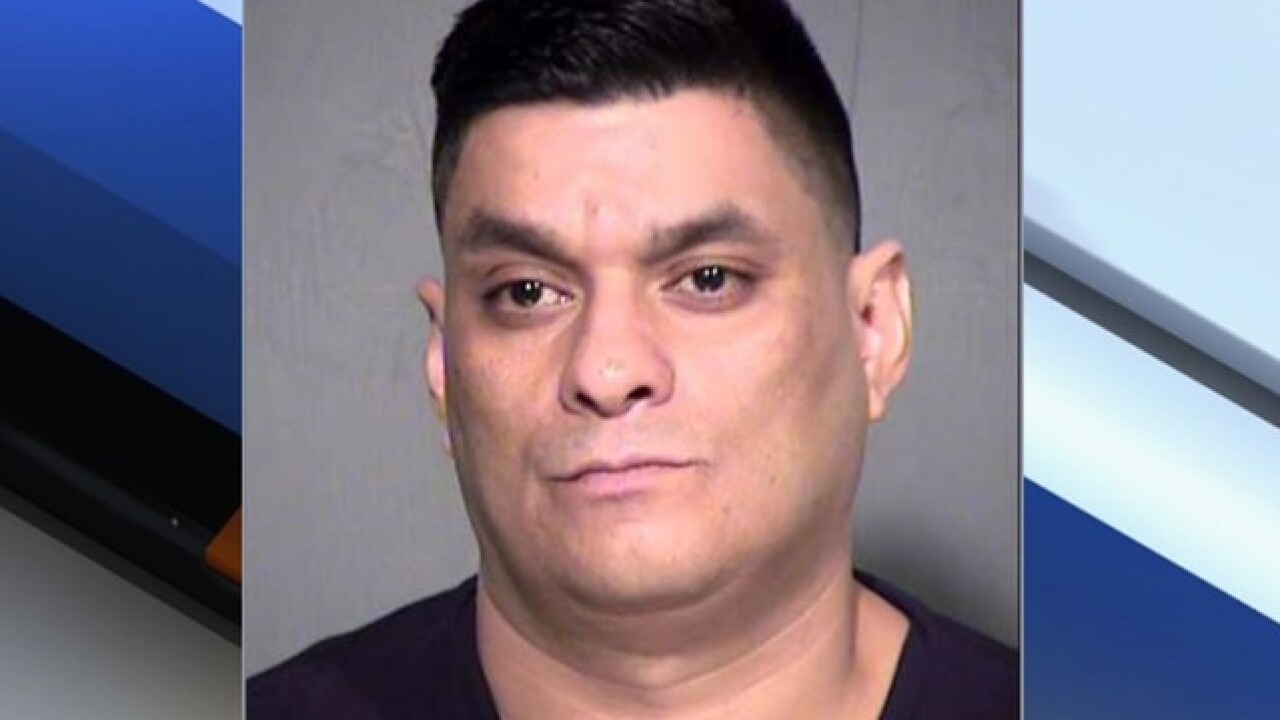 PD: Phoenix man texts photos of himself urinating in ex-girlfriend's car