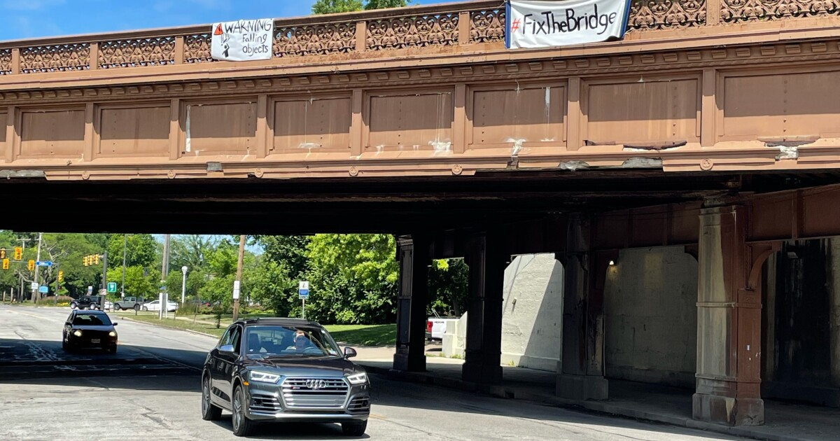 Frustrated neighbors push for repairs to bridge in Detroit Shoreway neighborhood