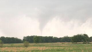Potential tornado near Morris