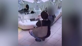Woman with child steals from Portsmouth pawn shop.jpeg