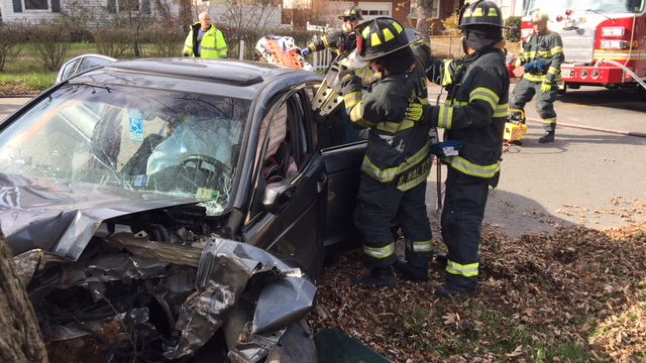 One person seriously injured in Newport News crash