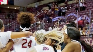 Women's Hoops Takes Down No. 3 Louisville