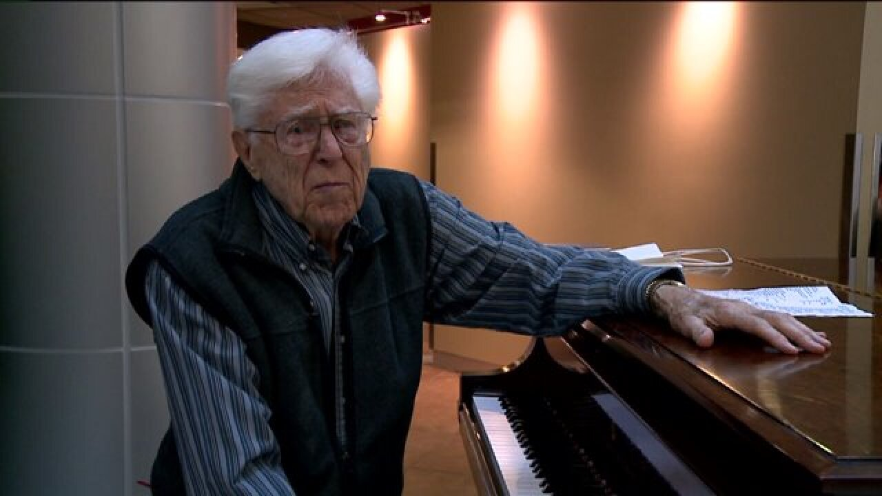 Man in his 90s keeps playing piano for fellow patients in Salt Lake City