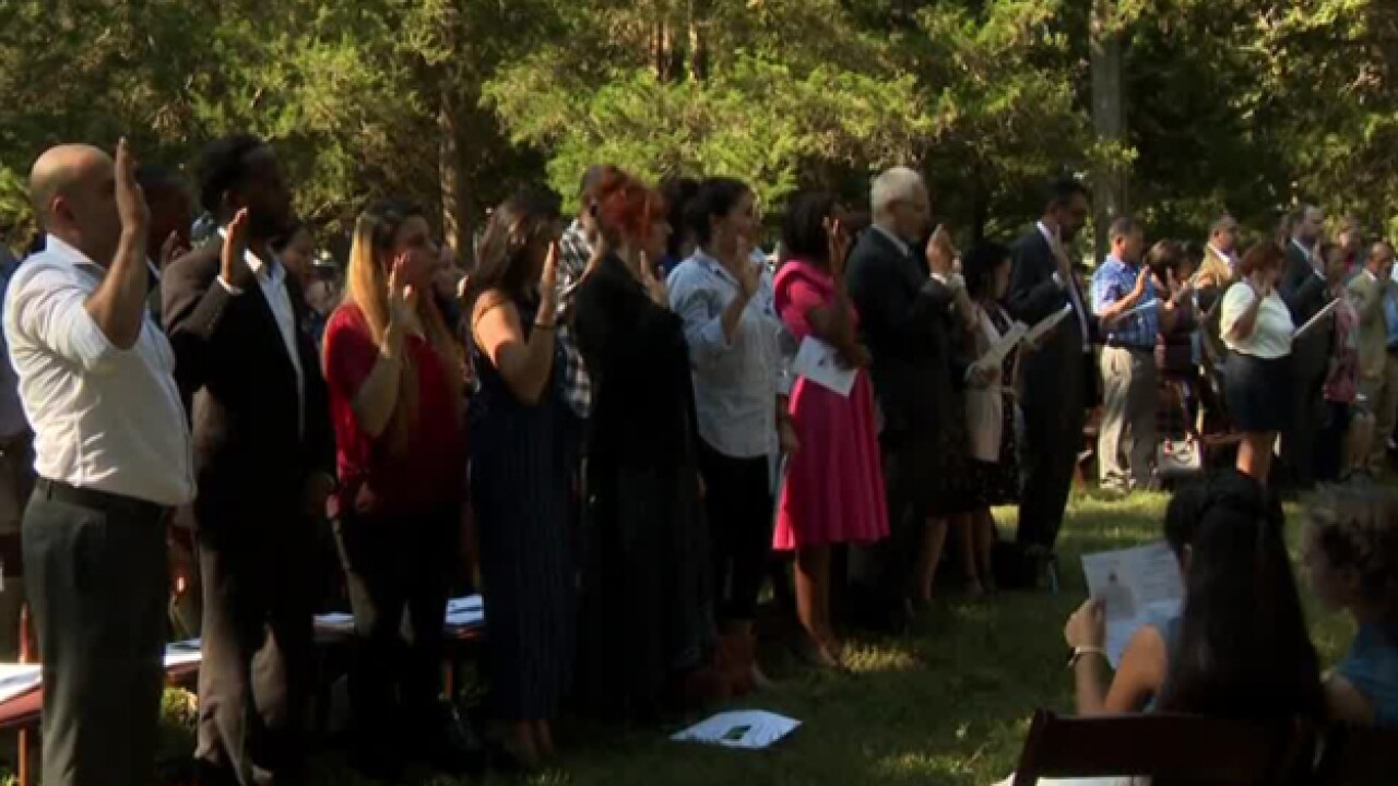 40 Participate In Naturalization Ceremony At The Hermitage
