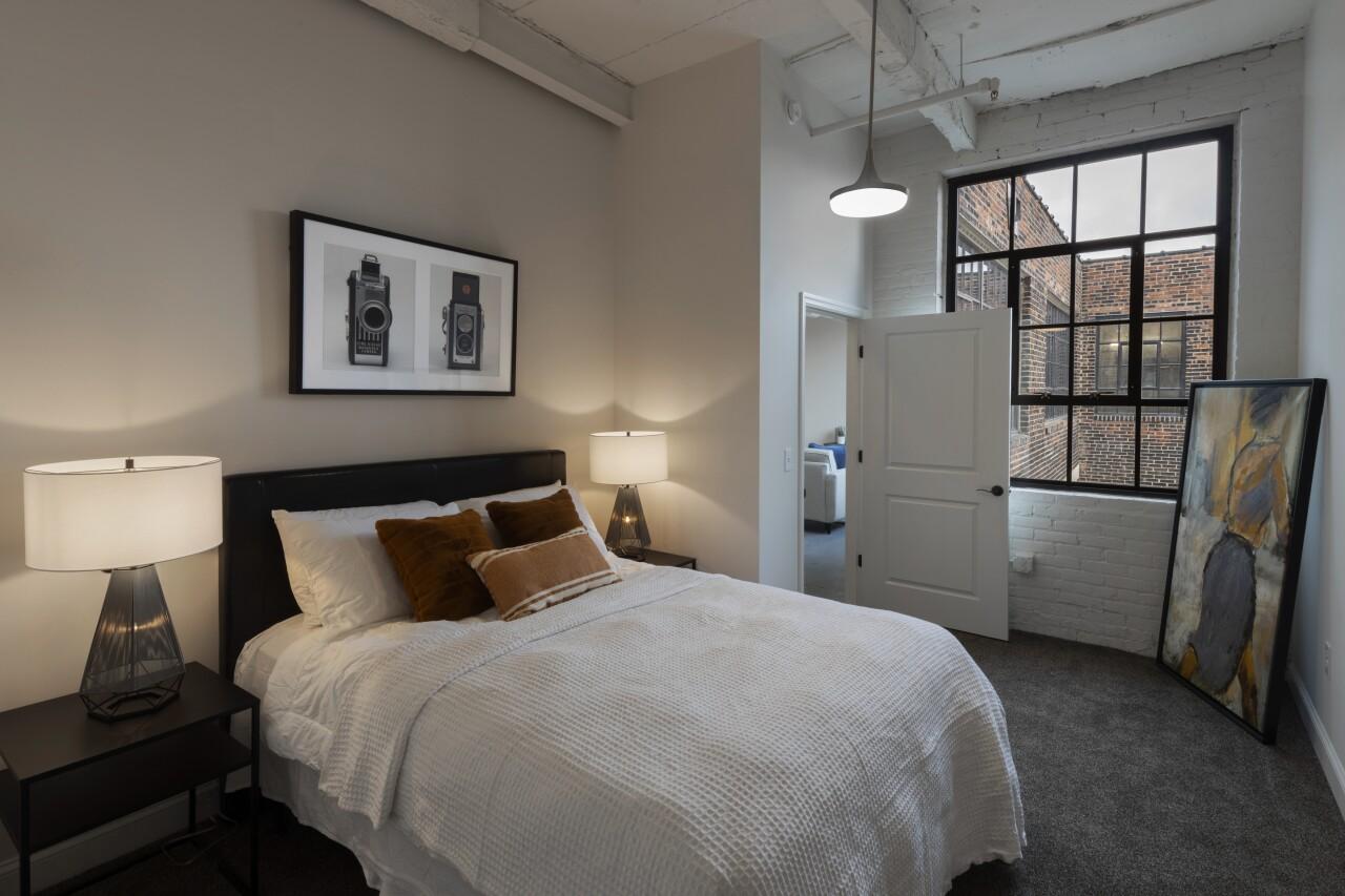 HR_3742 Bedroom Scott Pease.jpg