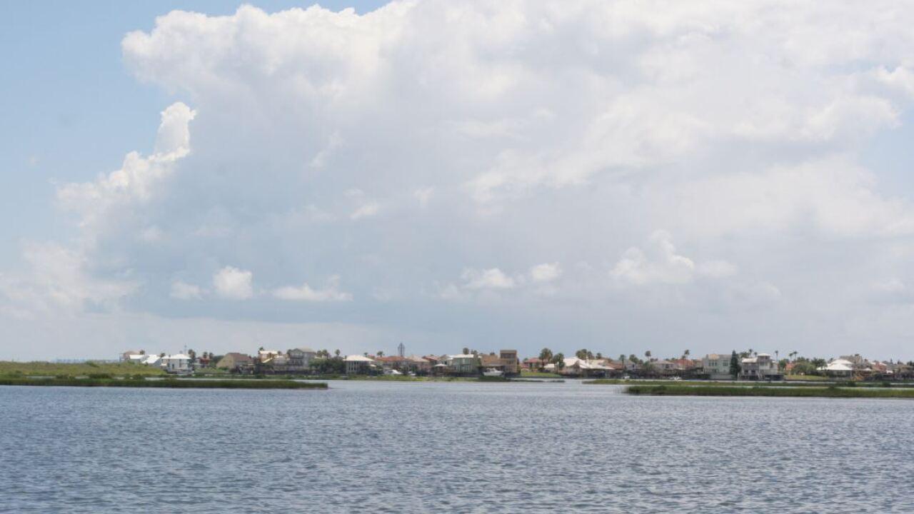 Gulfthundershower61015.JPG