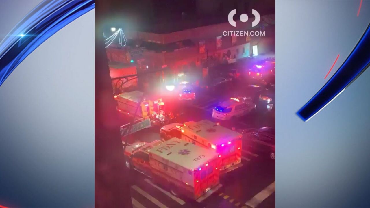 2 open fire in Brooklyn apartment building, injuring 6 in ...