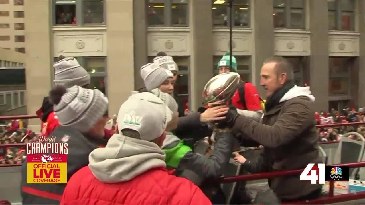 Steve Spagnuolo Super Bowl parade.jpg