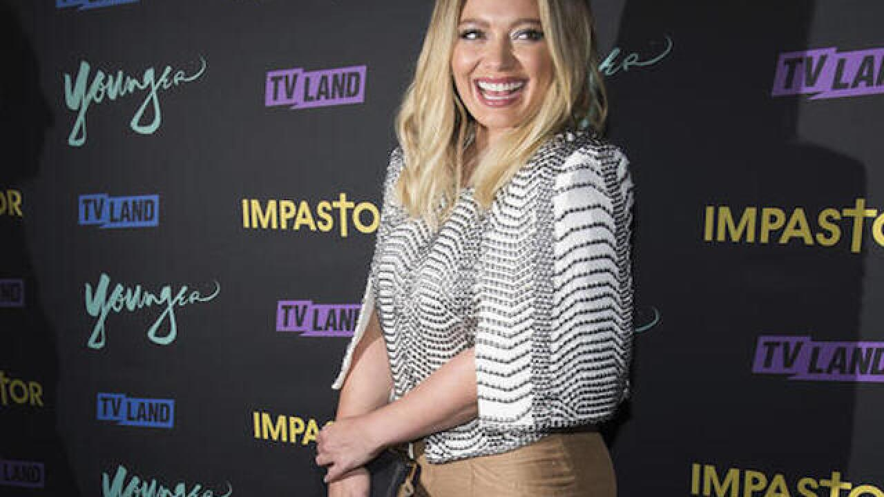 Hilary Duff apologizes for controversial pilgrim costume