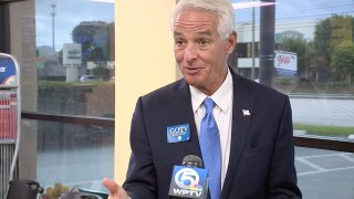 Charlie Crist visits Palm Beach County to promote COVID-19 vaccine, Sept. 7, 2021.