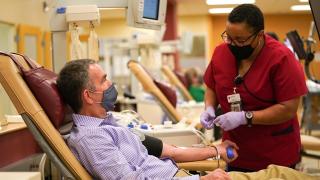 Ralph Northam blood donation.png