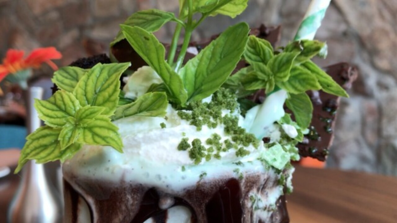 Extreme Milkshake! Mint Chocolate Showstopper
