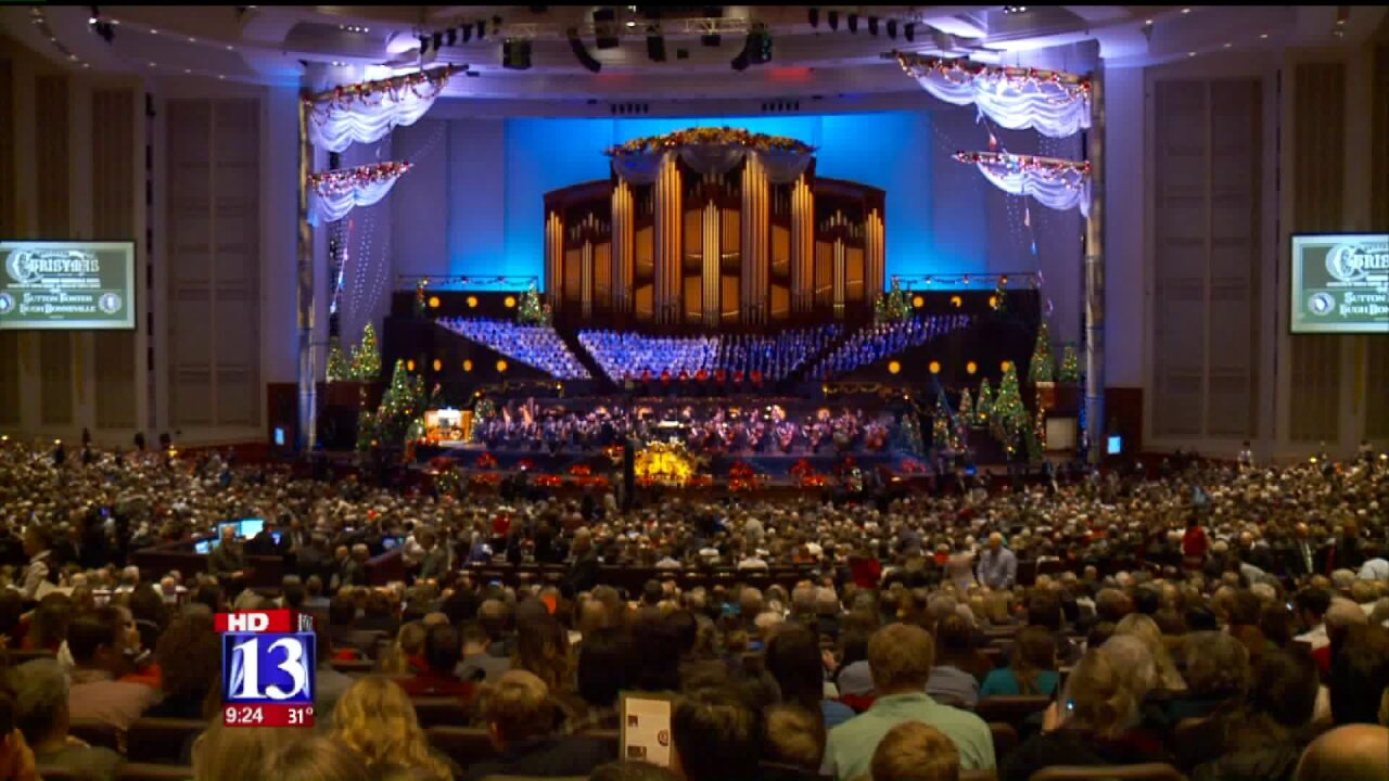 Mormon Tabernacle Choir Christmas concert thrills crowds, wows special guests Hugh Bonneville and SuttonFoster