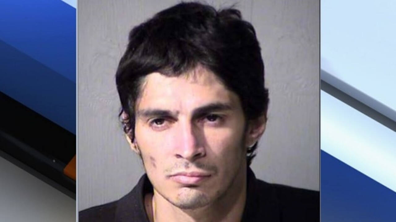 Mesa PD: Clerk pepper sprays burglar just released from prison