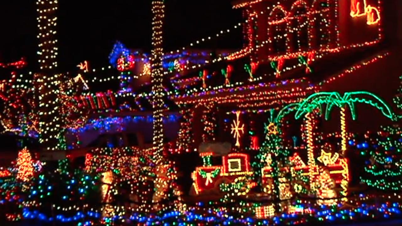 san diego christmas lights_2.png