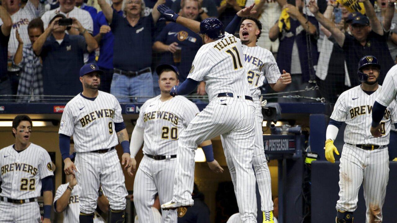 APTOPIX NLDS Braves Brewers Baseball
