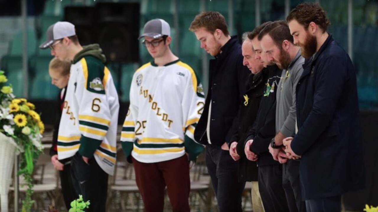 Sabres' Ryan O'Reilly visits survivors of Humboldt bus crash
