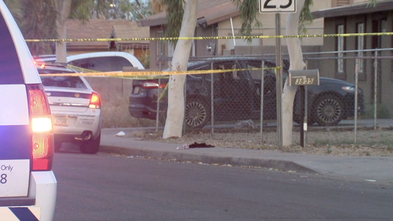 Father, daughter shot driving home in Phoenix