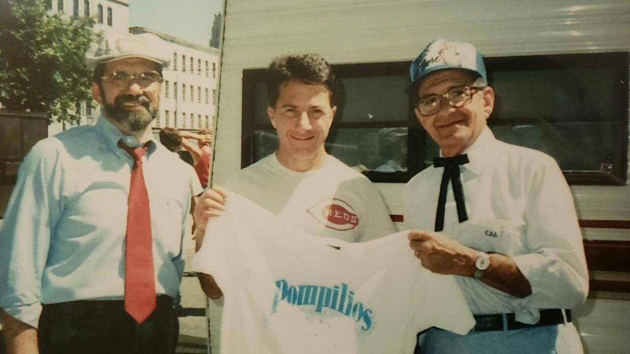2-Dustin Hoffman Pompilios.jpg