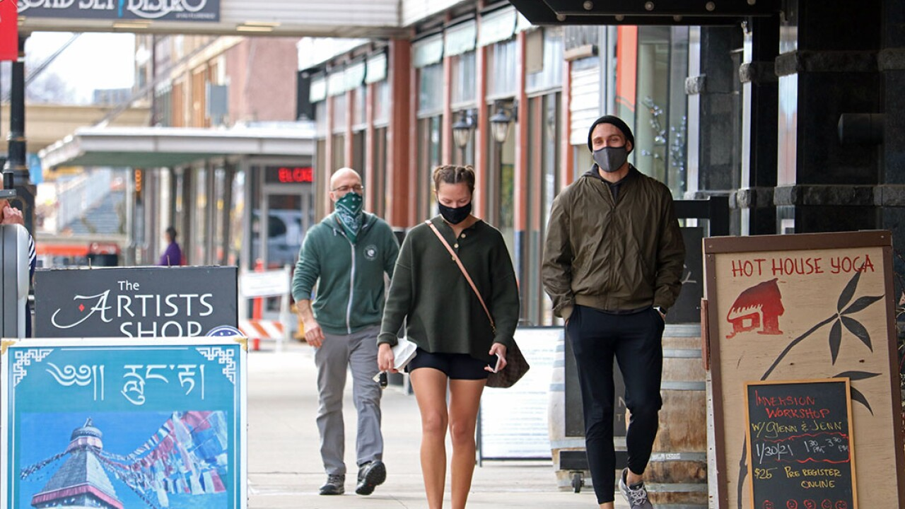 Downtown Missoula Shoppers Outdoors